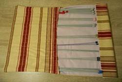 Housse en tissu pour ranger ses aiguilles à tricoter